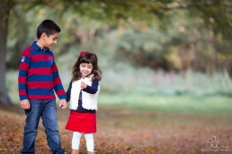 autumn-photo-shoot-surrey-brother-sister-08