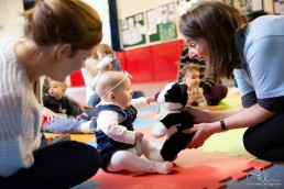 teaching baby sign language with sing and sign